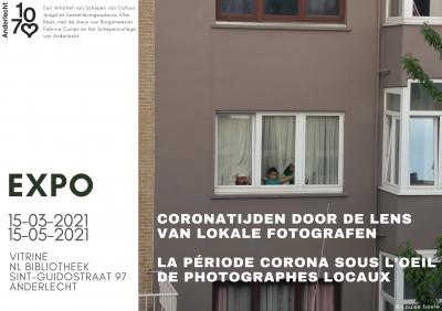 Expositie in de vitrine van de bibliotheek in de Sint-Guidostraat